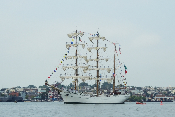 Mexican tall ship Cuauhtémoc leaving Baltimore Inner Harbor